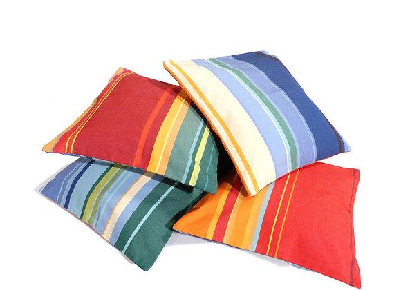 Housses de coussins rayés multicolores des Toiles Du Soleil