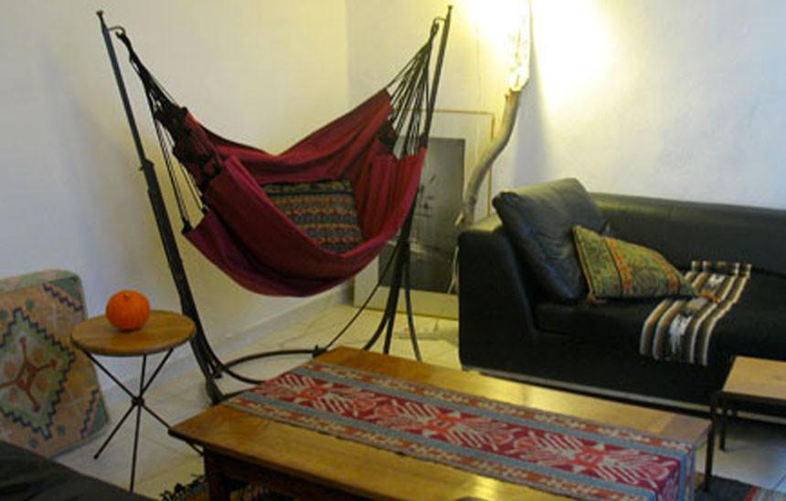 Hamac Fauteuil sur pied dans le salon