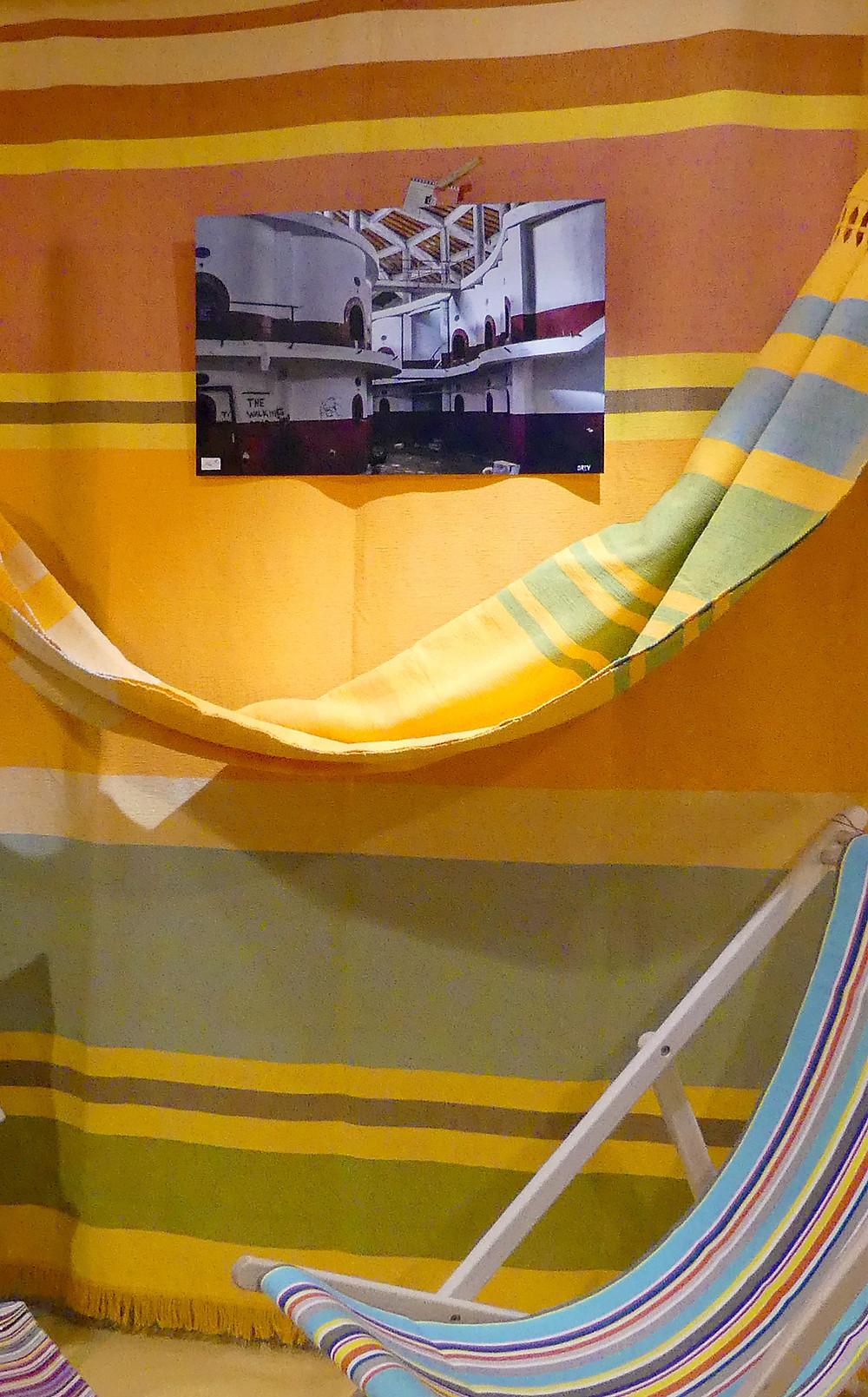 Décoration autour d'un hamac avec photographie de artideclic, Elne