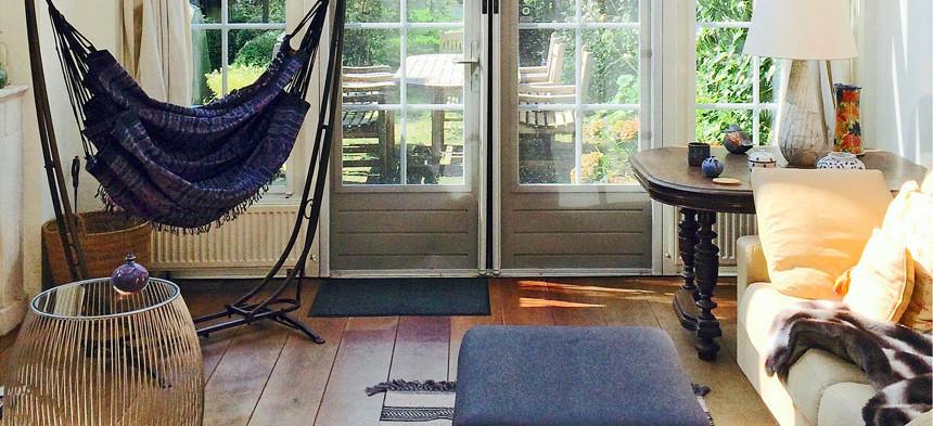 Hamac Fauteueil sur pied dans le salon
