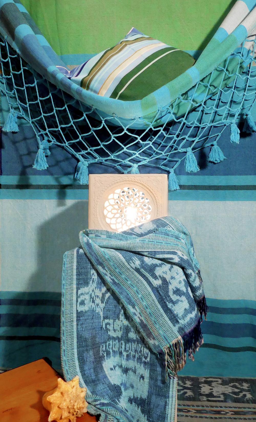 Décoration autour d'un hamac avec luminaire de sharanga design, Elne