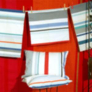 Les Toiles Du Soleil chez Hamac Concept à Elne,, housses de coussins PÔLE NORD