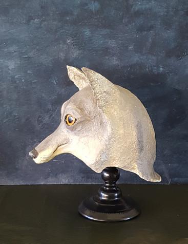 Le Loup :  Sculpture en papier maché Dim : 30*19*32 Anne C Creation