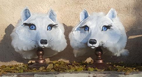 Louves Arctique Sculpture papier maché Dim : 30*21*34 cm Anne C Creation