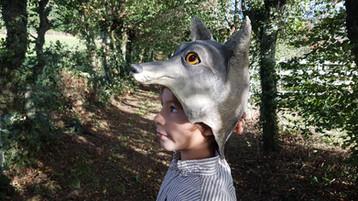 Le loup  Sculpture en papier maché portée  Anne C Creation