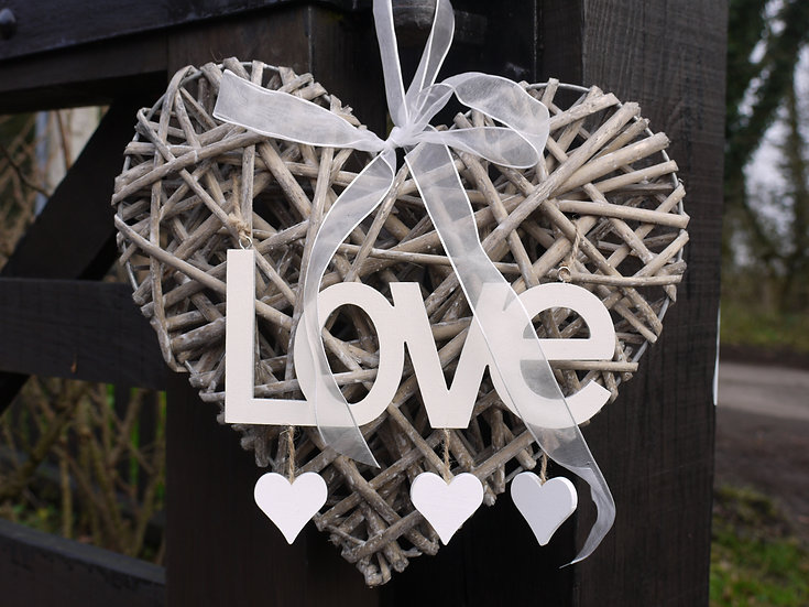 Large Grey Willow Heart