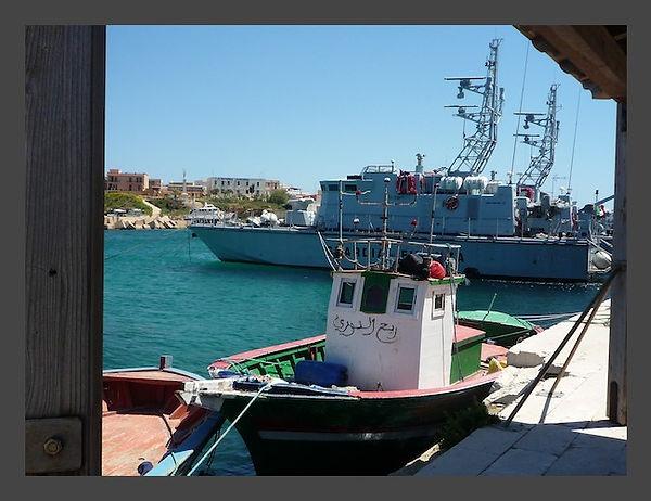 to6411boat.jpg