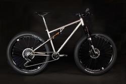 La Ruta with 27.5 Plus Wheels