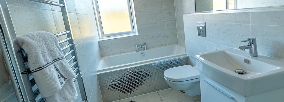 The Mitford - Bathroom
