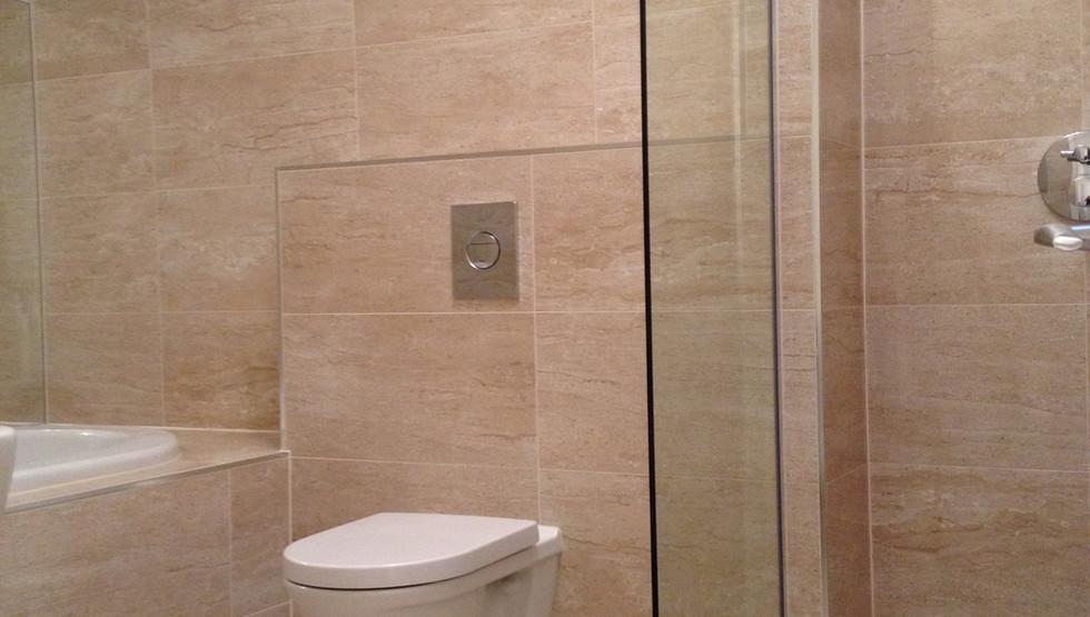 The Blagdon - Main Bathroom