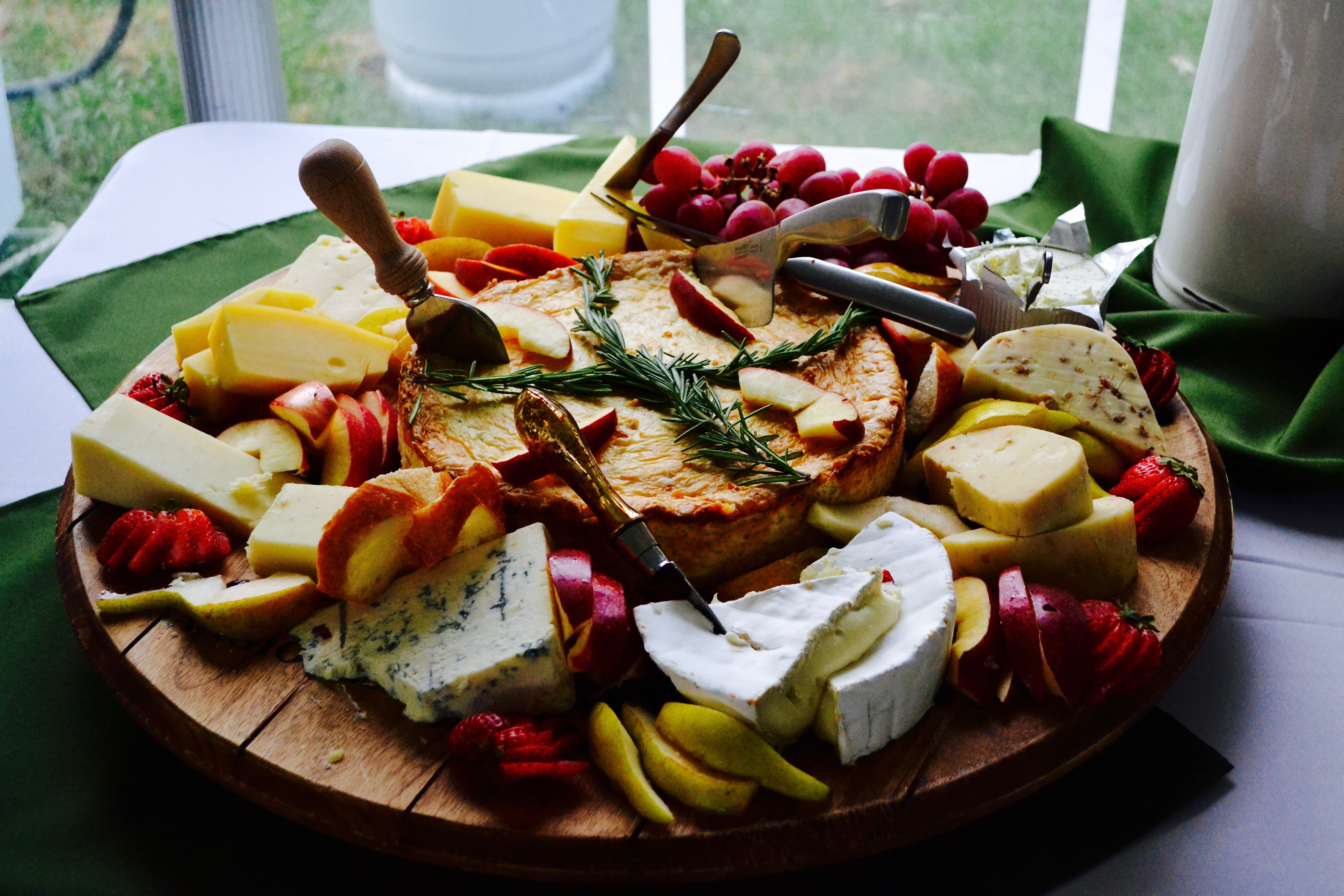 Gourmet Cheese & Fruit Combination