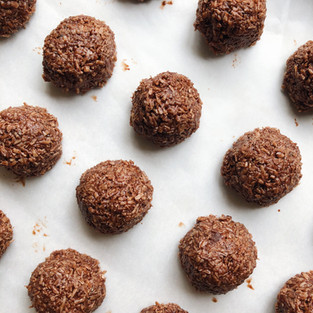 Raw Superfood Cacao Coconut Macaroons