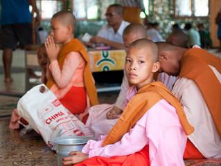 "Myanmar, ""Mingalaba""(hola) a La tierra dorada"