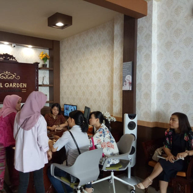 opening outlet royal garden spa 1.jpg