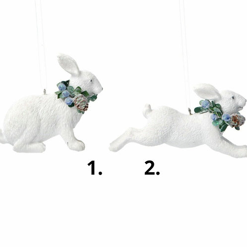 White resin rabbit decoration with blueberries (17084)
