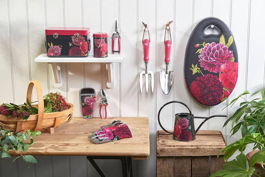 kauniit-british-bloom-puutarhatarvikkeet