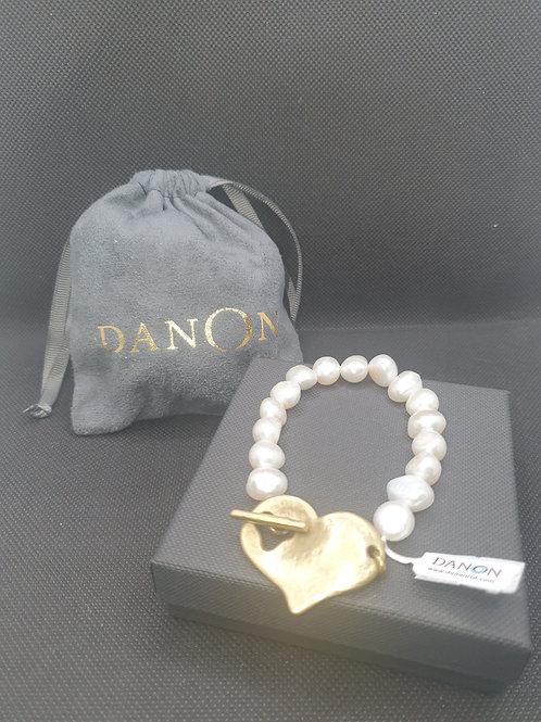 Pearl & gold heart t-bar bracelet