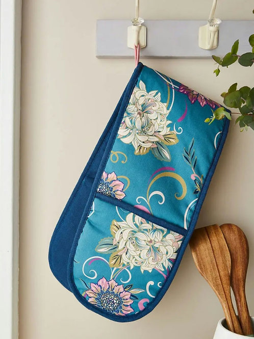 Fabulously floral oven glove
