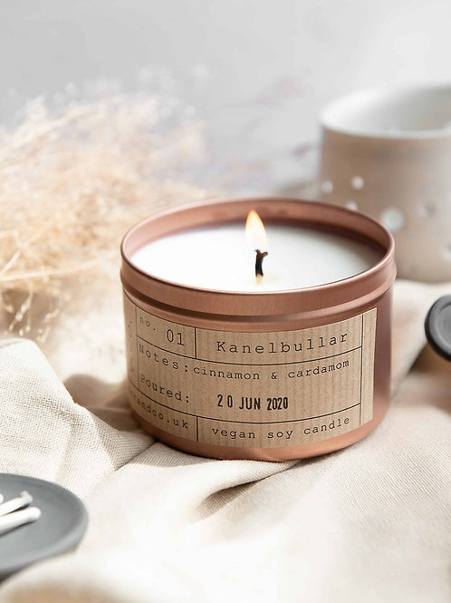 Kanelbullar tin candle