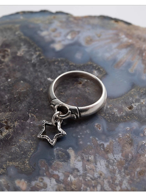 Star charm ring - small