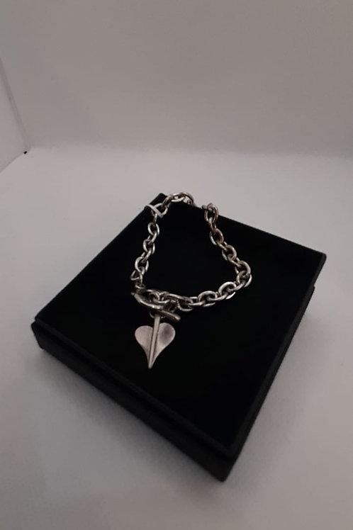 Leaf of love t-bar bracelet