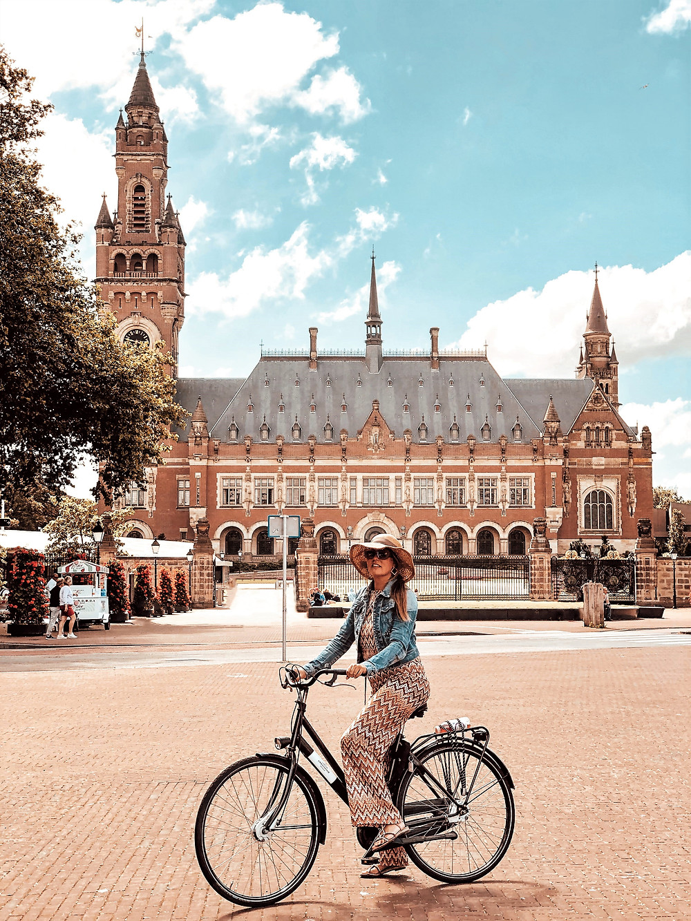Peace Palace cycling The Hague - The Netherlands