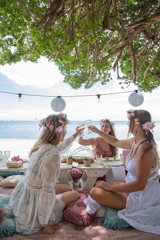 Picnic Aruba private lunch on Surfside Beach