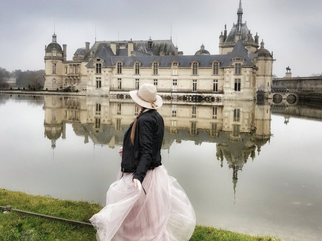 Romantic road trip France – castles & Paris pre-Christmas shopping