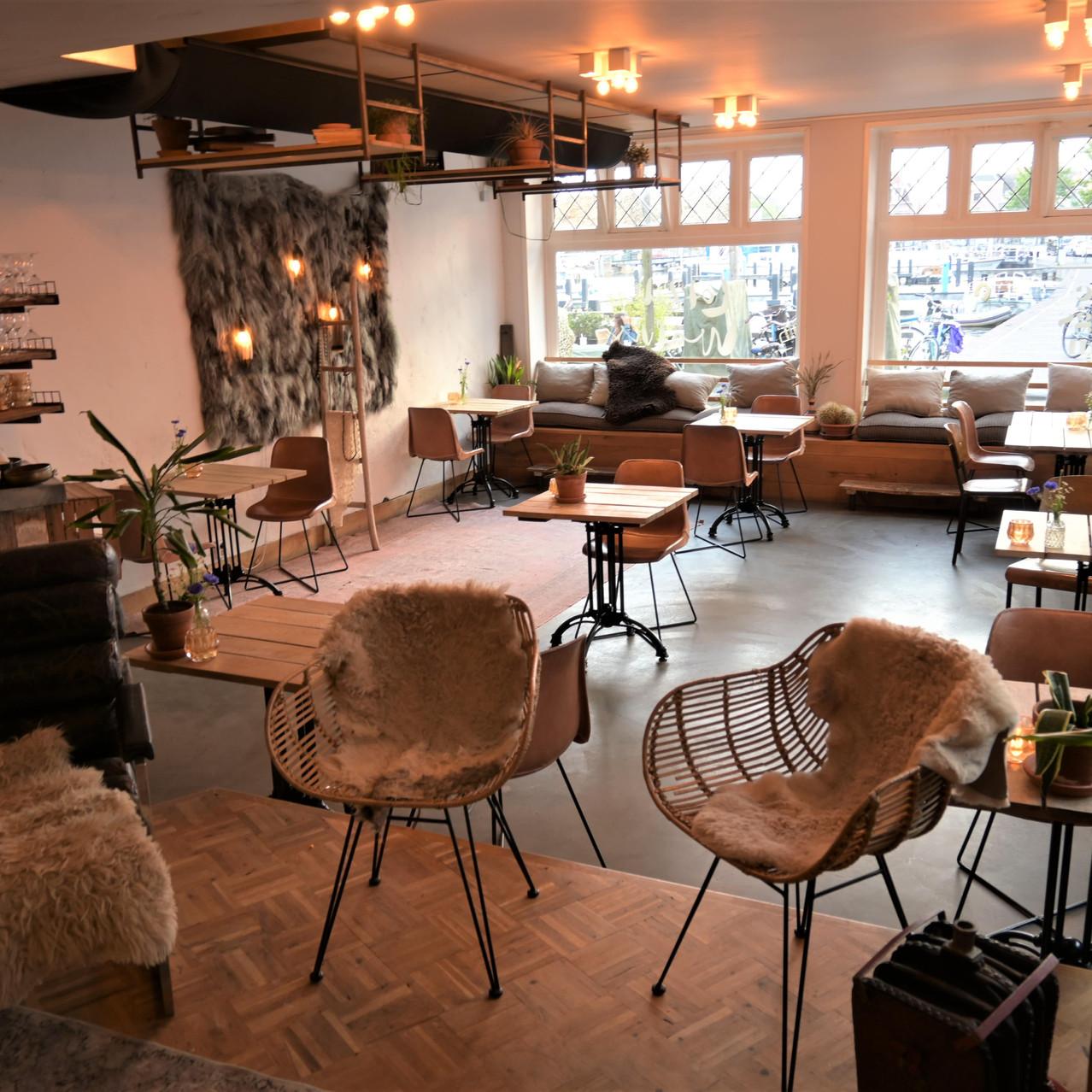 Restaurant Lot & de Walvis inside seating Leiden Netherlands
