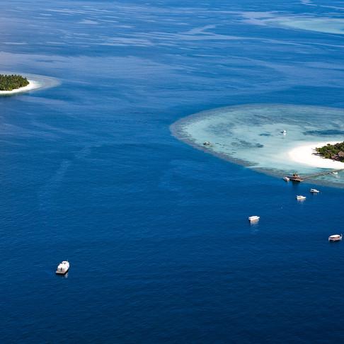 Maldives: 2 ultimate private luxury island retreats of Angsana Ihuru & Banyan Tree Vabbinfaru