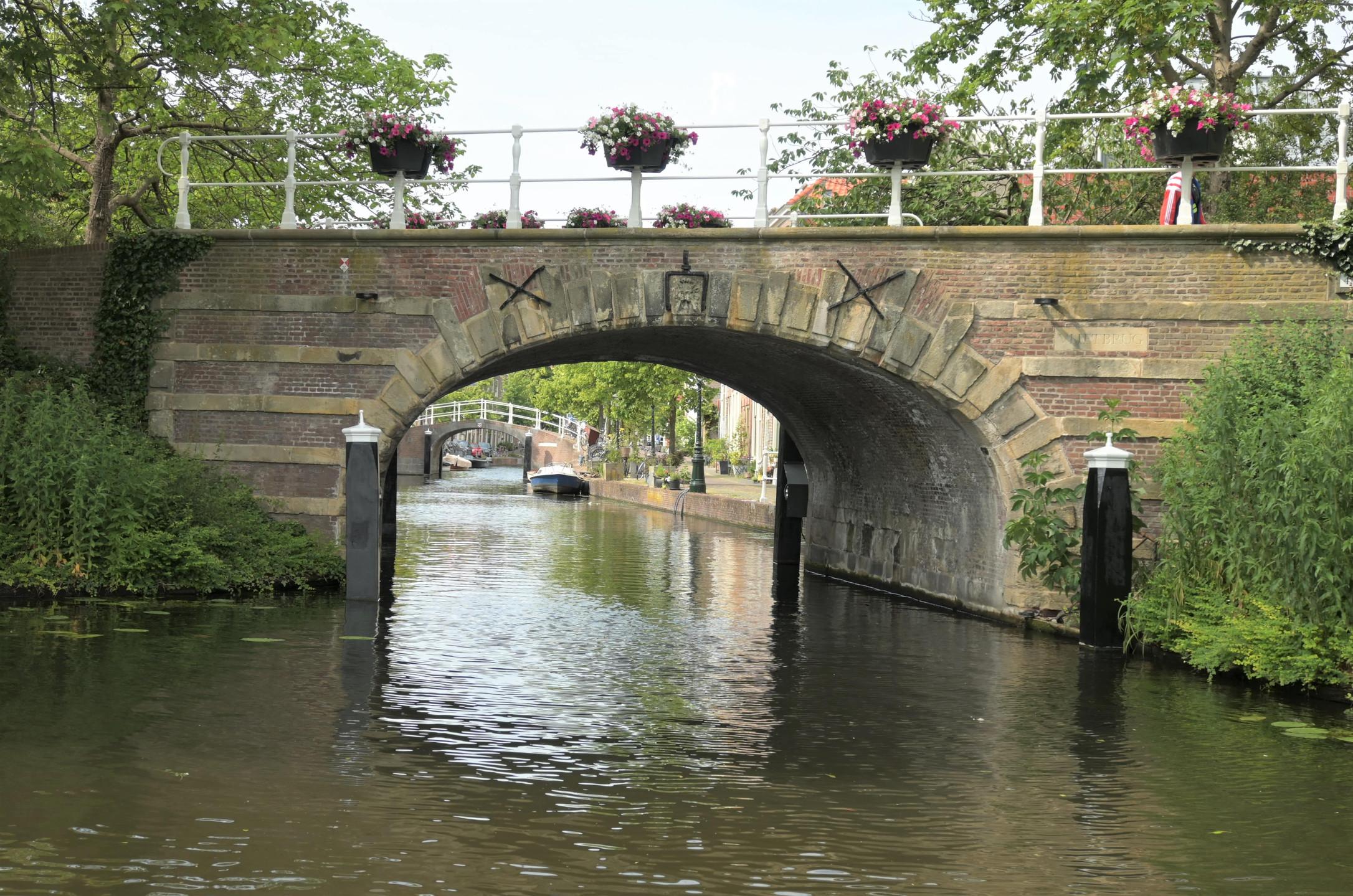 Boattrip Leiden Netherlands views citytrip
