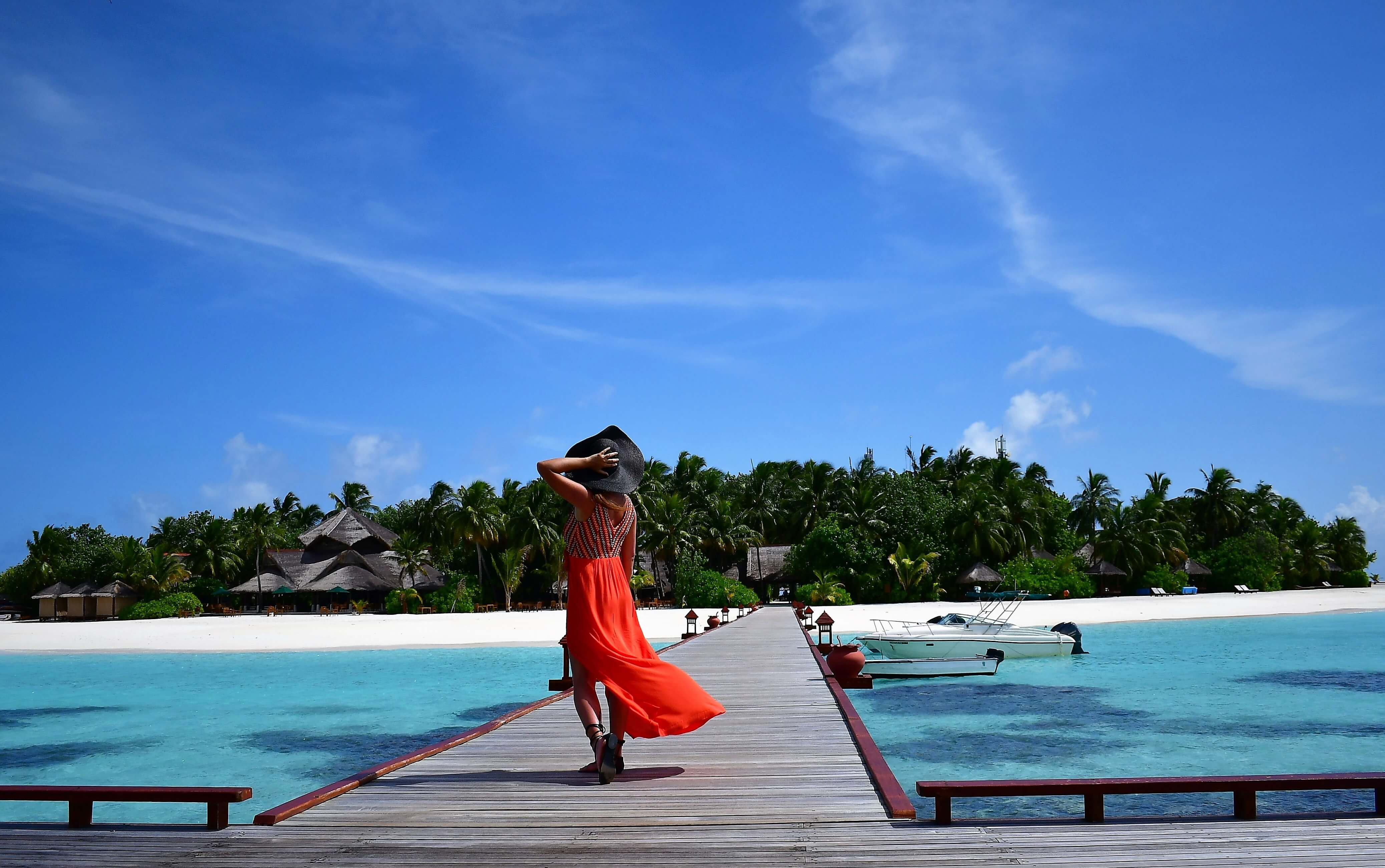 Banyan Tree Vabbinfaru Maldives pier