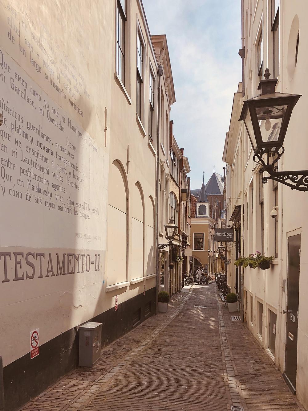 Leiden alleys Netherlands citytrip staycation