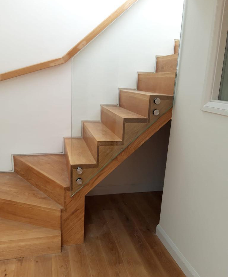 BALUSTRADE UK FRAMELESS1.jpg