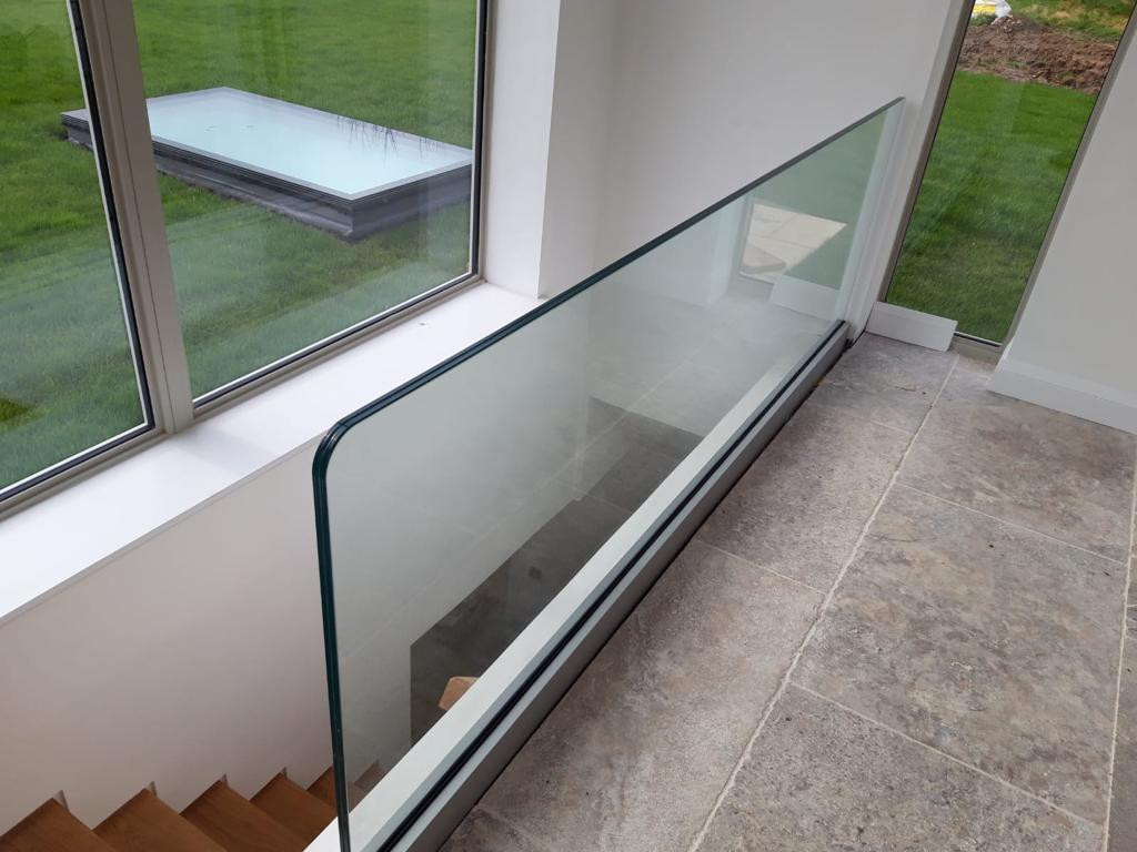 BALUSTRADE UK FRAMELESS4.jpg