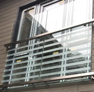 juliette-balcony.jpg
