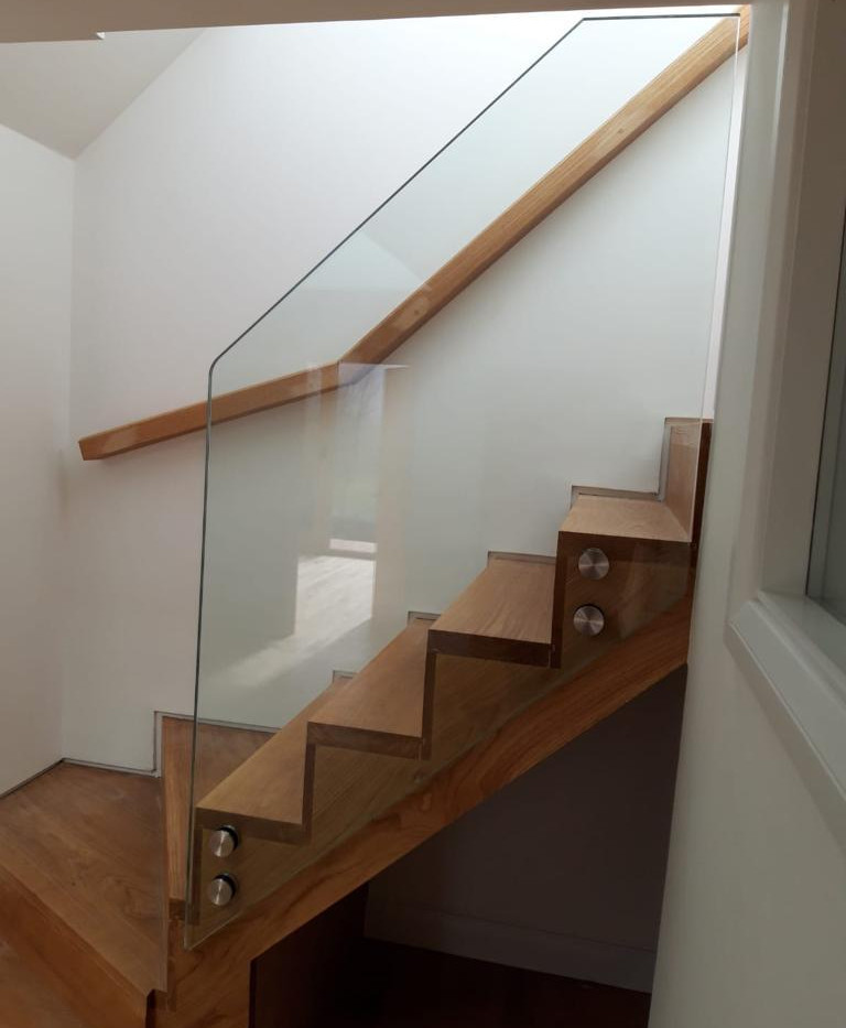 BALUSTRADE UK FRAMELESS3.jpg