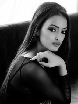 Aaital Khosla | Ounass