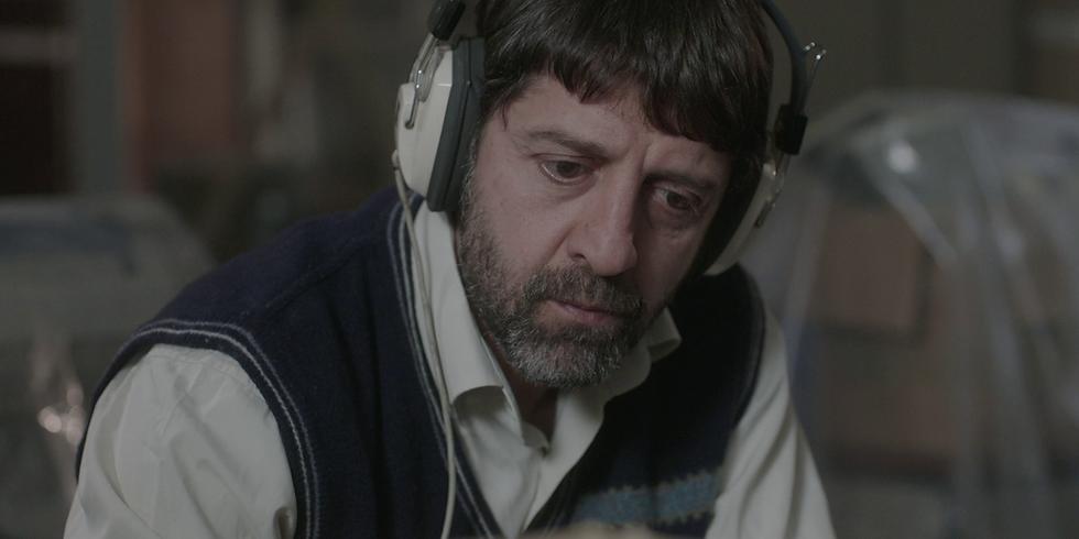Kulak Misafiri / Eavesdropper (20') Yapım Yılı: 2019 Yönetmen: Ahmet Toğaç Film Türü: Kurmaca (1)