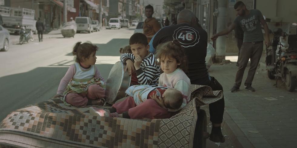 Satlık / For Sale (19') Yapım Yılı: 2018 Yönetmen: Selin Aktaş Film Türü: Belgesel (1)