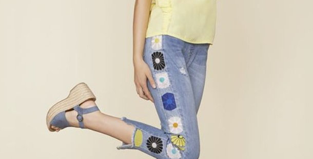 OMG Embroidered Daisy Jeggings
