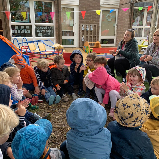 Story telling with our friends