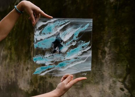 Resina_glass_whale_garden-2-2.jpg