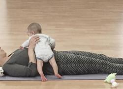 yoga_with_babies2