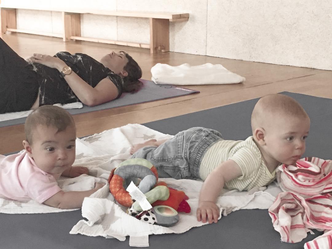 yoga_with_babies3