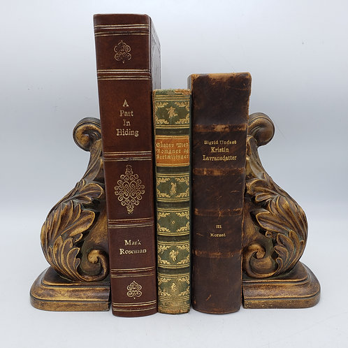 Pair of Faux Wood Leaf Design Bookends