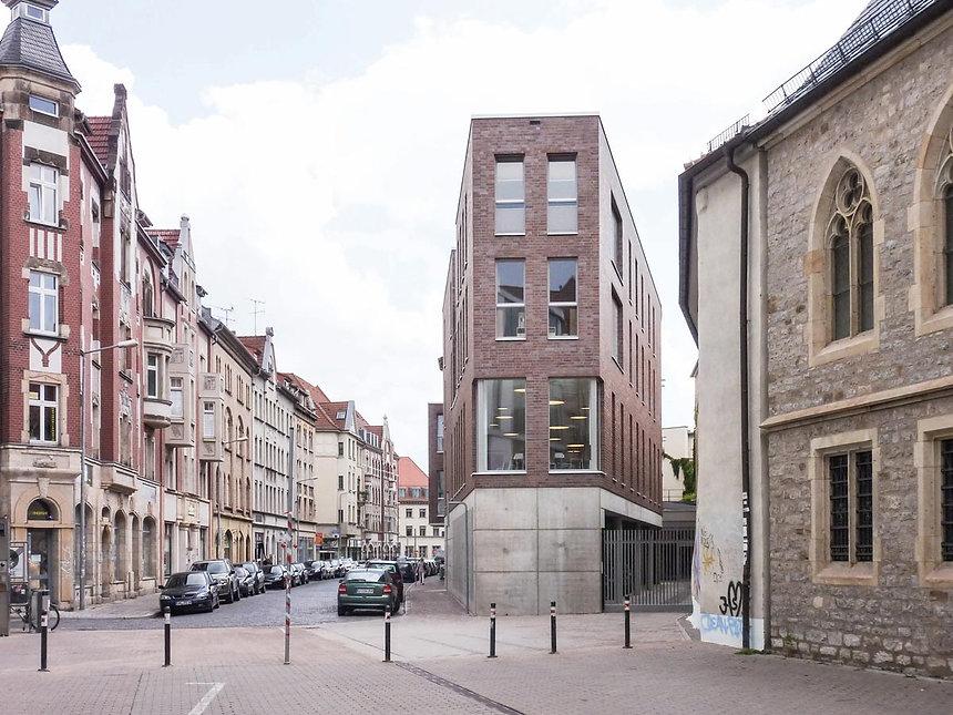 Erweiterungsneubau Wohn- und Geschäftshaus Trommsdorffstraße in Erfurt - Strassenfassade