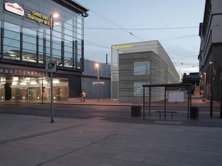 wbw-radstation-erfurt-visu-nacht.jpg