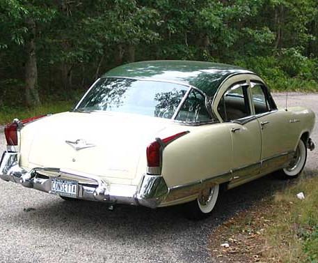 1954 Kaiser Manhattan Sedan