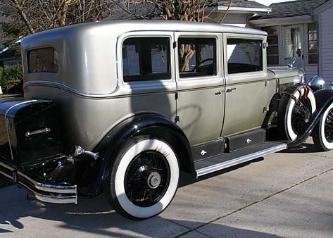 1929 Cadillac Eight Town Sedan